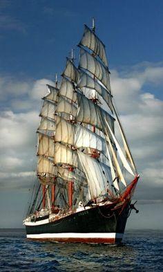 full sails on this tall ship as she makes way across the water. Old Sailing Ships, Full Sail, Wooden Ship, Tug Boats, Sail Away, Set Sail, Navy Ships, Wooden Boats, Ship Art