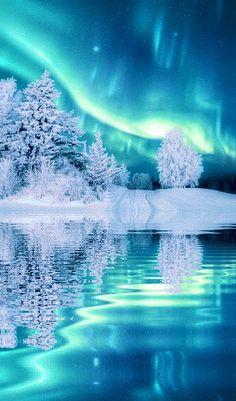 gif Fantastic Space Northern Lights Aurora Science Aurora Borealis ISS - Jenn & s Jo . Beautiful Nature Wallpaper, Beautiful Landscapes, Landscape Photography, Nature Photography, Scenic Photography, Night Photography, Landscape Photos, Natur Wallpaper, Foto Gif