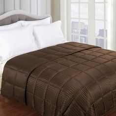 Anew Edit Down Alternative Blanket Size: Twin / Twin XL, Color: Chocolate