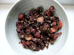 Foraging for Rose-hips - http://survivingthesheep.com/foraging-for-rose-hips/