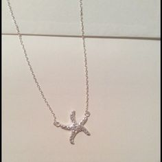 ❗️last one ❗️Starfish necklace Just in 2 left silver colored starfish necklace with diamond accents Jewelry Necklaces