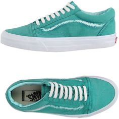 Vans Low-tops & Sneakers (74 AUD) ❤ liked on Polyvore featuring shoes, sneakers, turquoise, flat sneakers, round toe flat shoes, vans shoes, low top and round toe sneakers