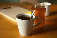 vikka-photos / tea with honey