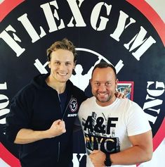 5,331 vind-ik-leuks, 78 reacties - Sam Heughan (@samheughan) op Instagram: 'Made to feel like its home from home Köszönöm @flexgymbudapest !!'