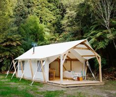 8 Motivated Tips: Canopy Camping Sun canopy house entrance.Canopy Baby Kids canopy over bed shelves.Pop Up Canopy Pink. Best Family Camping Tents, Camping Glamping, Luxury Camping, Camping Gear, Camping Equipment, Backyard Canopy, Canopy Outdoor, Deck Canopy, Window Canopy