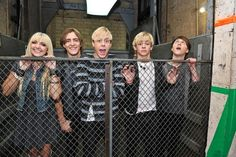 Ratliff is in his own world. :D