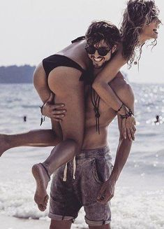 Pin by lourissa setu on cute couple beach pictures, couple beach, relations Beach Love Couple, Couple Beach Pictures, Photo Couple, Perfect Couple, Relationship Goals Funny, Couple Goals Relationships, Romantic Couples, Cute Couples, Beach Photos Couples