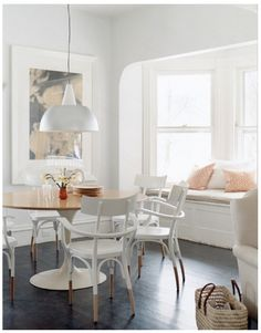 I'm loving this paint technique on the chairs