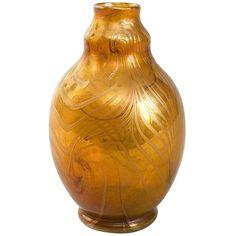 Tiffany Studios, New York Favrile Glass Vase 1 Tiffany Art, Tiffany Glass, Glass Ceramic, Ceramic Art, Art Nouveau Furniture, Art Deco Glass, Stained Glass Lamps, Bottle Vase, Glass Bottles