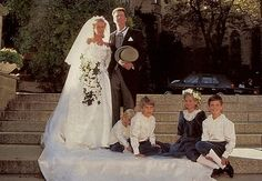 6 octobre 1990 : Mariage de la princesse Désirée de Hohenzollern, fille de la princesse Birgitta de Suède et du prince Johann Georg de Hohenzollern avec Heinrich, comte héréditaire de Ortenburg. Divorcés en 2002