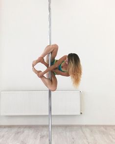 ideas pole dancing poses inspiration for 2019 Pole Fitness Moves, Pole Dance Moves, Pole Dancing Fitness, Barre Fitness, Fitness Exercises, Aerial Dance, Aerial Hoop, Aerial Arts, Aerial Silks