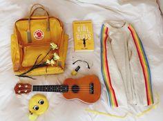 aka white girl who doesn't know what the art hoe movement is, but thinks a yellow kanken is cute so Mochila Kanken, Kanken Backpack, Art Hoe Aesthetic, Aesthetic Clothes, Apollo Aesthetic, Aesthetic Grunge, Aesthetic Vintage, Vsco, Arte Sketchbook