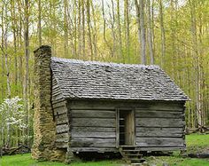 Tennessee cabin in spring. Log Cabin Homes, Log Cabins, Tennessee Cabins, Prairie House, Log Home Designs, Cabins And Cottages, Small Cabins, Country Cottages, Cabin In The Woods