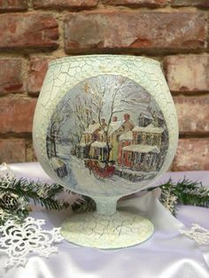 How to make glass christmas candlestick - Simple Craft Ideas Decoupage Glass, Decoupage Vintage, Christmas Candles, Christmas Crafts, Christmas Ornaments, Lantern Candle Holders, Handmade Christmas Decorations, Bottle Painting, Wine Bottle Crafts
