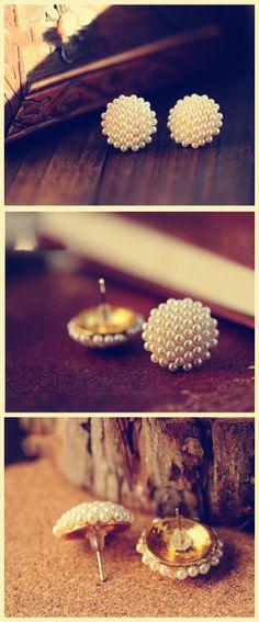#bijoux boucles d'oreilles de perles  http://www.tinydeal.com/pearl-finger-ring-pair-of-pearls-ear-pins-px23a83-p-93900.html