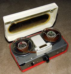 File:Vintage Cambridge Portable Transistor Reel-To-Reel Tape Recorder . Cassette Recorder, Tape Recorder, Cd Audio, Magnetic Tape, Vintage Television, Recording Equipment, Studio Equipment, Retro Radios, Philadelphia Pa