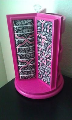 Brand New! Rotating Black and Pink Spinning Jewelry Display Stand Organizer