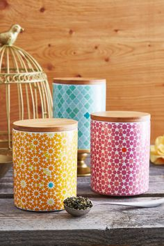 Gushing over these tea-filled tins! Bonus: they'll make amazing cookie jars