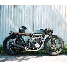 Honda CB550 Cafe Racer - beautiful shot