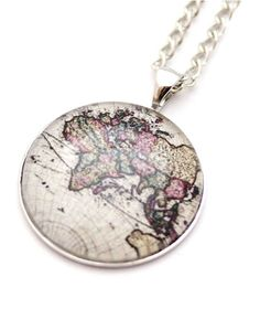 Globe necklace...the perfect gift for the friend who loves to travel!  #travel #globe #necklace