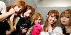 معرض في اليابان يلقي الضوء على دعارة الأطفال