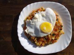 Pisto con huevo frito