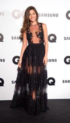 Malena Costa vestida de Charo Ruiz enel photocall de los premios GQ _ Post en su blog de Glamour