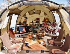 Cosy Camping, Camping Glamping, Camping Gear, Camping Hacks, Outdoor Camping, Minivan Camper Conversion, Bushcraft Camping, Camping Style, Plein Air