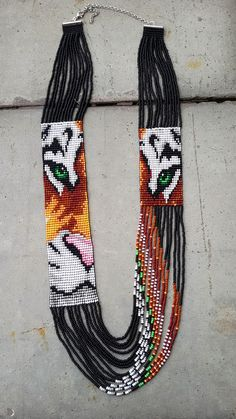 animal jewelry - native american style beaded jewelry tiger tiger necklace Informations About native american style b - Seed Bead Necklace, Beaded Earrings, Beaded Bracelets, Seed Beads, Pendant Necklace, Beaded Jewelry Patterns, Beading Patterns, Bracelet Patterns, Loom Patterns