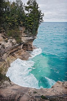 Pictured Rocks by Pure Michigan. Upper peninsula from OFallon Michigan Travel, State Of Michigan, Northern Michigan, Lake Michigan, Places To Travel, Places To See, Picture Rocks, Costa, Places