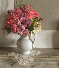 Maybe outside is not springtime yet, but inside. Country Wedding Flowers, Organic Farming, Spring Time, The Outsiders, Instagram Posts, Home Decor, Decoration Home, Room Decor, Organic Gardening