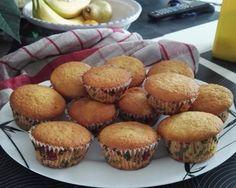 Muffins coeur citron : http://www.cuisineaz.com/recettes/muffins-coeur-citron-91292.aspx
