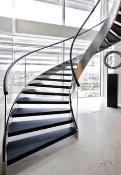 <p><em>Ref: Staircase 2390-A</em></p>