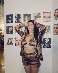 Kim Kardashian Latest, Silk Shorts, High Waisted Shorts, Kardashian Birthdays, Pink Eyeshadow Look, Travis Barker, Plunge Bikini, Jenner Family, Actresses