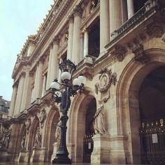 A Light by the Elysium. #operadeparis #parisjetaime #parismonamour #ballet #architecture #theatre