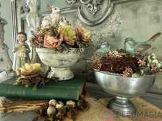 Decomagia - Spring decorations with artificial flowers Art & Physical, little rabbits and birds, moss on unique containers Spring Decorations, Artificial Flowers, Rabbits, Flower Art, Easter, Birds, Natural, Unique, Painting