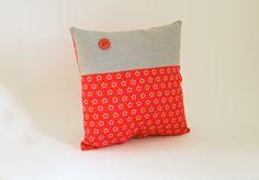 Mini-Kissen rot-grau l von Max & Grete - mit Herz erdacht & handgemacht auf DaWanda.com