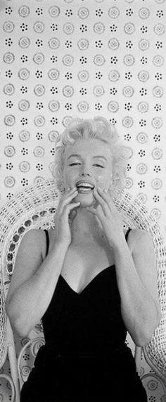 1955: Marilyn Monroe photo shoot …. #marilynmonroe #pinup #monroe #marilyn #normajeane #iconic #sexsymbol #hollywoodlegend #hollywoodactress #1950s