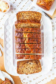 Not sure what to do with overripe bananas you have on hand? Make this Six-Banana Banana Bread! This is the best banana bread recipe EVER. Bread Cake, Dessert Bread, Bolo Fit, Gateaux Cake, Best Banana Bread, Banana Bread Recipes, Quick Bread, Snacks, Cooking Recipes