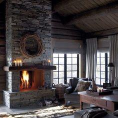 #interior #design #decor #style #home #window #designer #интерьер #камин #огонь #каминная #окно #дизайн #декор #шале #стиль #дизайнер #идея #камень #подушки #тепло #уютно