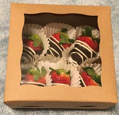If you want your desserts to prevail during the test of time, that is shipping, you need to get sturdy Boxes for Chocolate Covered Strawberries from a packaging company. Marble Chocolate, Chocolate Drip, White Chocolate Covered Strawberries, Chocolate Covered Oreos, Strawberry Box, Strawberry Shortcake, Anniversary Dessert, Cooking Chocolate, Halloween Chocolate