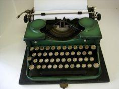 Vintage 1930 Green Portable Royal Typewriter