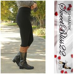 Black Fleece Lined Leggings Who says you can't be fabulous this winter! Fleece lined leggings are a staple piece this winter! Don't miss out! Comes in Burgundy, cocoa, black, navy, wine, midnight blue, and charcoal gray! Bundle for even bigger savings! Pants Leggings