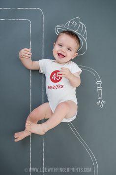Life with Fingerprints: Weekly baby photo, chalkboard prints, weekly onesie