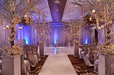 Winter Wonderland #Wedding Ceremony ~ Damon Tucci Photography   http://www.bellethemagazine.com/2013/12/winter-wonderland-wedding.html