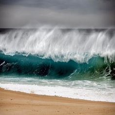 Wild waves | by Julio López Saguar on Flickr