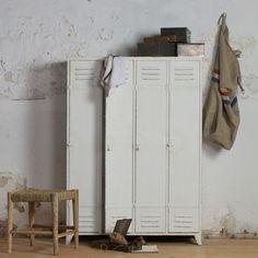 BePureHome Discover kledingkast | FLINDERS verzendt gratis | retro kledingkast | design |