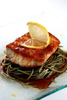 Citrus-Soy Fish Fillet with Soba Noodles + Free Kampachi Drawing! Fish Recipes, Seafood Recipes, Healthy Recipes, Yummy Recipes, Grilled Fish, Grilled Salmon, Seafood Dishes, Fish And Seafood, Salmon Seasoning