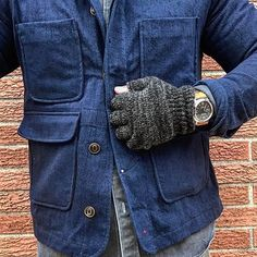 @inn8chiro showing us the black melange fingerless in action. Come get some at the shop. All knits are still 25% in store until Sunday! #NYmade #upstatestockflagship #2Berry