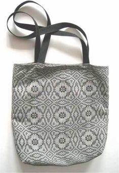 Knitting Bags, Weaving Textiles, How To Purl Knit, Fiber Art, Loom, Hand Weaving, Knit Crochet, Design Inspiration, Crafty